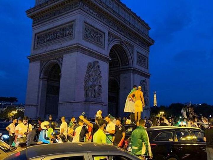 Во Франции задержано 200 фанатов после победы Алжира