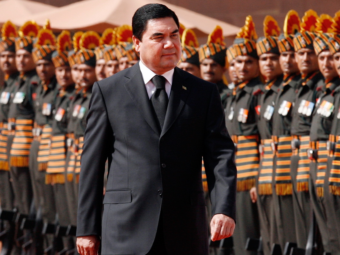СМИ: президент Туркменистана не умер, а улетел в Германию