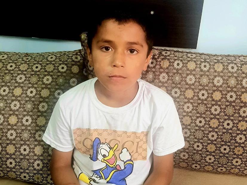 В Баку из дома сбежал 9-летний мальчик, которого избивала мать - ФОТО
