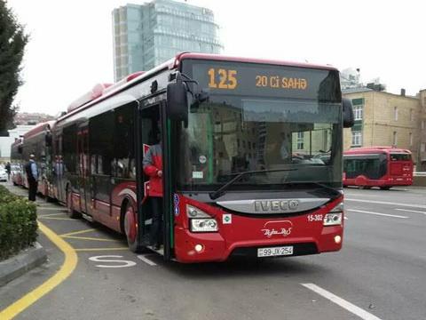 В Баку изменен путь следования семи автобусных маршрутов