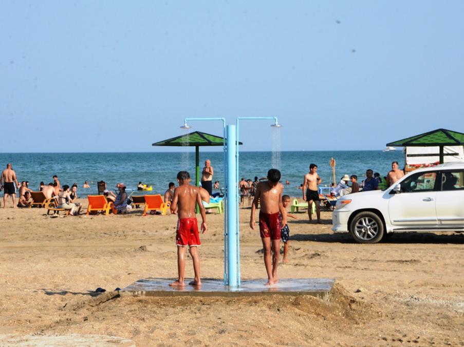 По инициативе Лейлы Алиевой в Баку создаются общественные пляжи - ФОТО