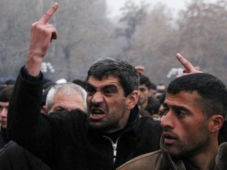 Карабахские армяне расстреливали ереванцев по приказу президента Армении: подробности громкого слива