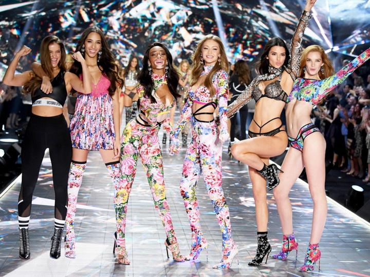 Более 100 моделей заявили о домогательствах со стороны сотрудников Victoria's Secret - ФОТО