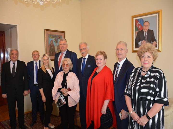 Polad Bülbüloğlu Avrasiya Xalqları Assambleyasının rəhbərliyi ilə görüşüb