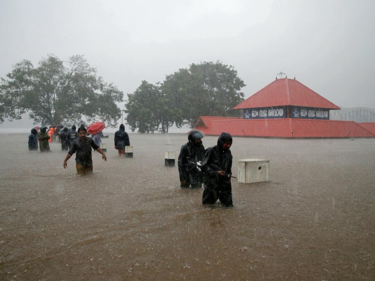В Индии число жертв ливней и наводнений достигло почти 150 человек