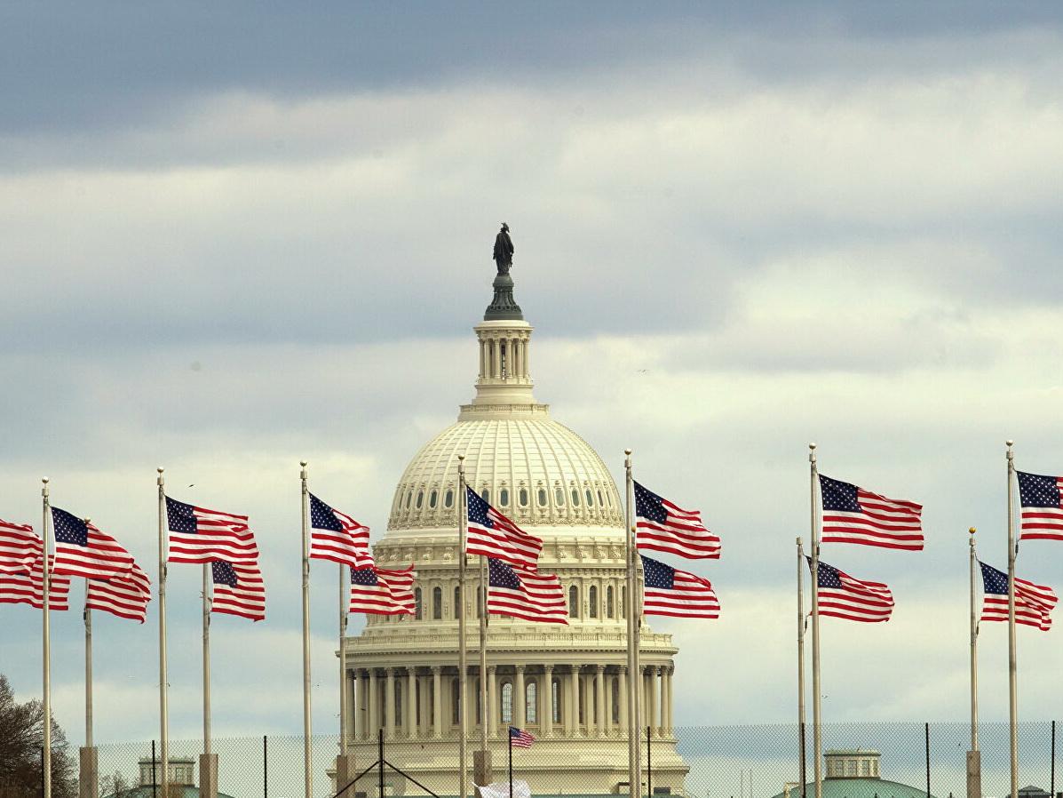 США ограничат выдачу гринкарт иммигрантам, полагающимся на госвыплаты