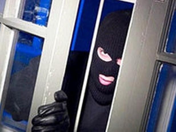 В России подростки попытались ограбить азербайджанского бизнесмена, ворвавшись в масках в его квартиру
