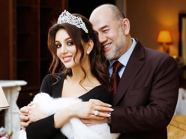 Экс-королю Малайзии нашли новую женувзамен «Мисс Москва-2015» - ФОТО