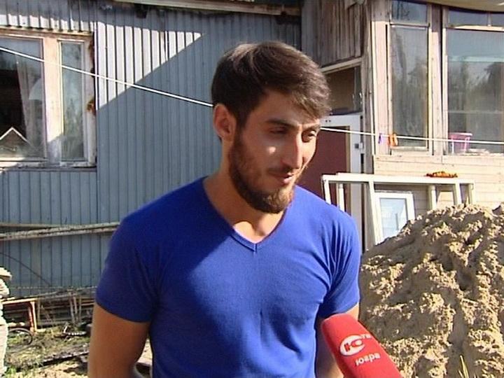 Герой: В России азербайджанец спас человека из горящего дома - ВИДЕО