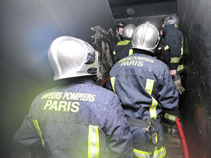 В пригороде Парижа сгорел рынок - ФОТО