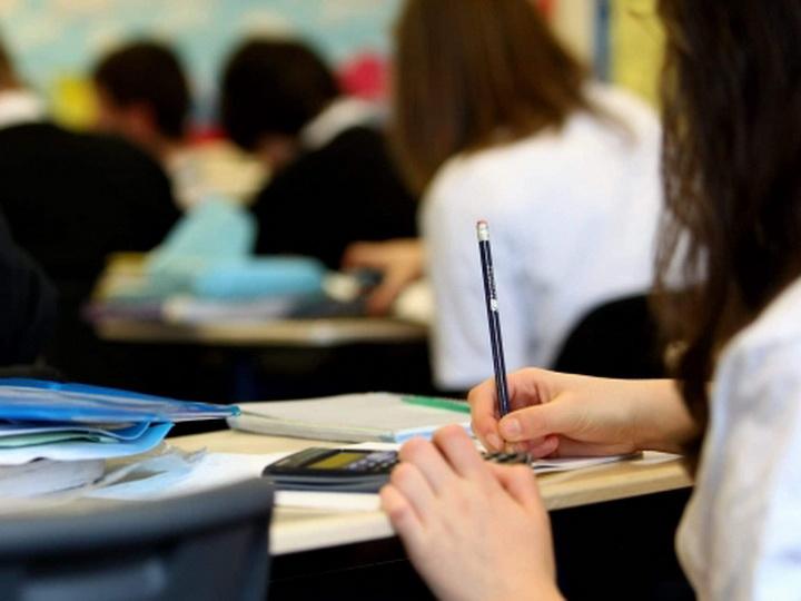 74% выпускников бакинских школ поступили в вузы и ссузы
