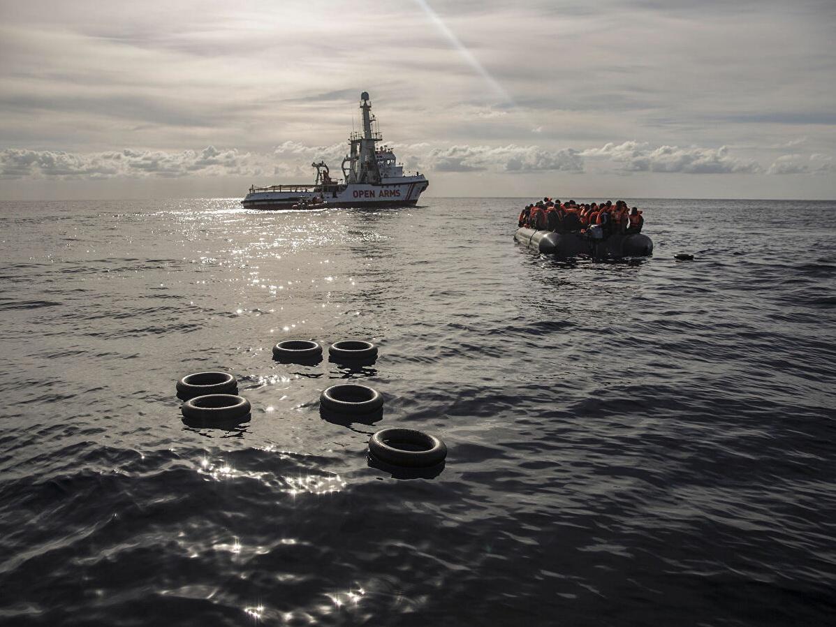 Италия арестовала судно с мигрантами Open Arms