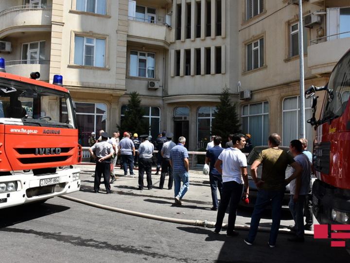 Пожар в жилом доме в Баку потушен - ФОТО - ОБНОВЛЕНО