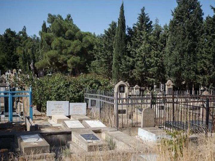 Бакинское кладбище планирует создать свой сайт