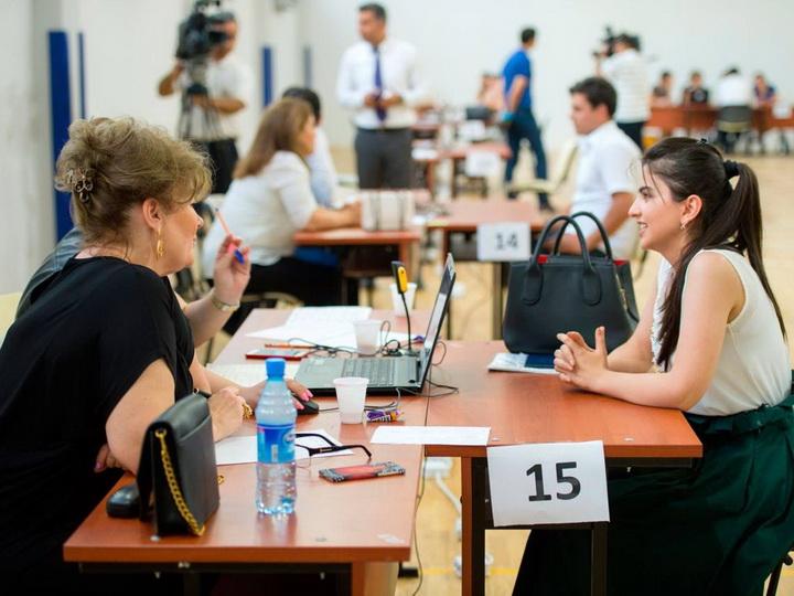 В Азербайджане начался этап собеседования директоров