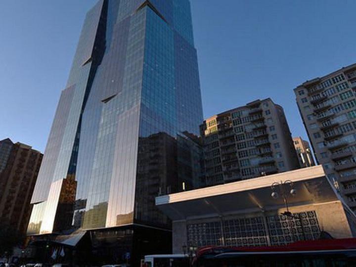 Бакметрополитен оставил без электричества огромный бизнес-центр