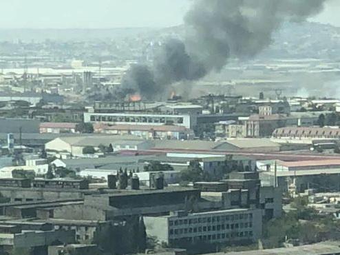 Пожар на рынке стройматериалов в Баку полностью потушен - ФОТО - ВИДЕО - ОБНОВЛЕНО