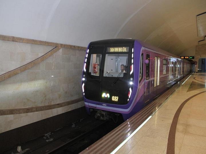 Bakı metrosunda daha iki qatar xəttə buraxılıb – FOTO