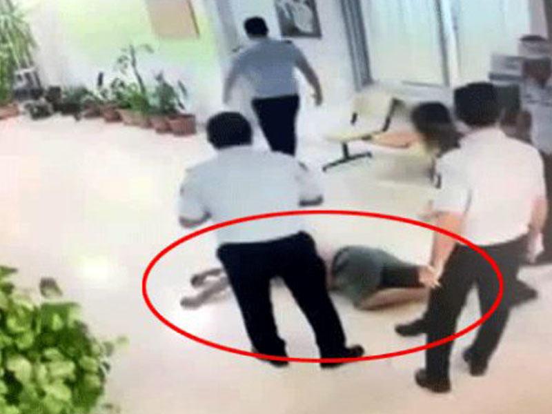 Turisti döyən polis cəzalandırıldı – VİDEO