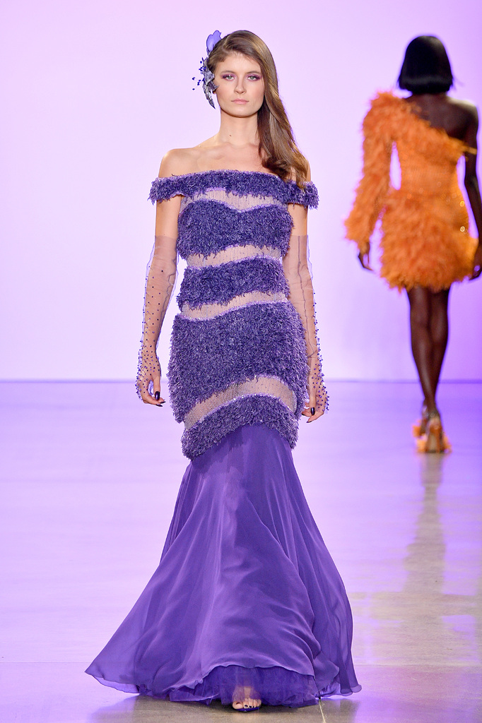 Карабахский цветок Хары бюльбюль на Неделе моды в Нью-Йорке