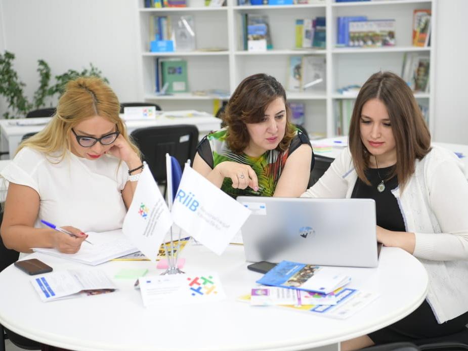 Разрушая стереотипы: Как в Азербайджане учителей готовят к работе с детьми с инвалидностью – ФОТО – ВИДЕО