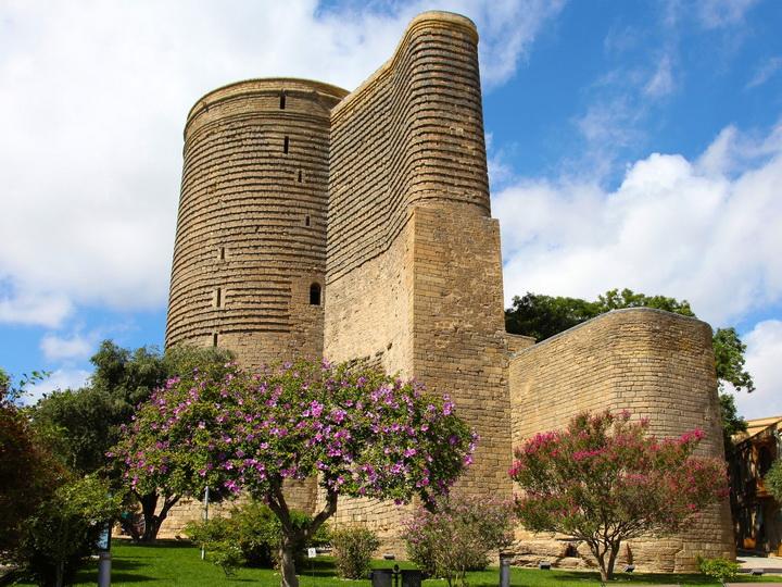«Maiden Tower. To Be a Woman»: Евросоюз продолжает радовать бакинскую публику фестивалями – ФОТО
