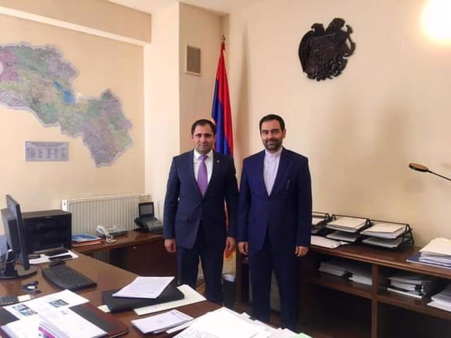Посол Ирана в Ереване сфотографировался на фоне карты Армении, включающей в себя Карабах - ФОТО