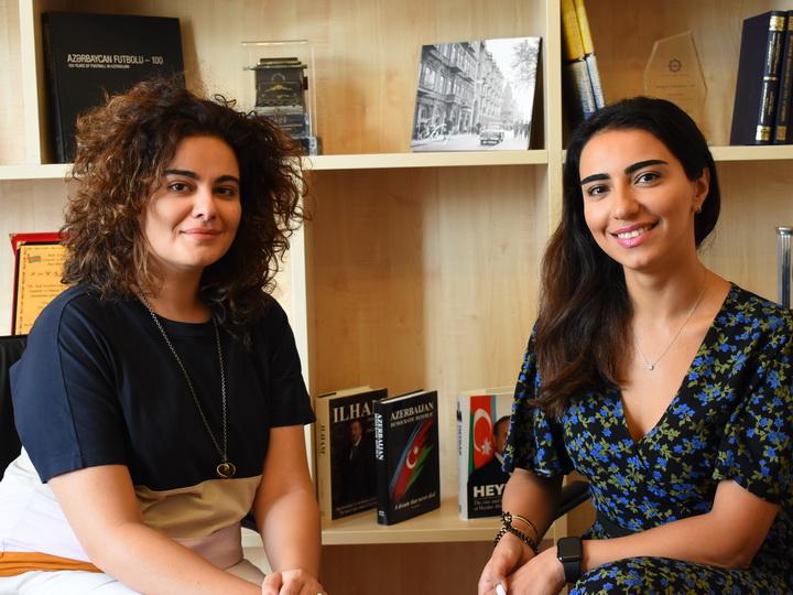 Как две девушки из Баку создали закрытый клуб для интеллектуалов - ФОТО