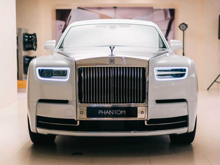 """""""Rolls-Royce Motors Baku"""" satış-sərgi salonunda Rolls-Royce Phantom Tranquillity avtomobilinin təntənəli təqdimat mərasimi keçirilib – FOTO"""
