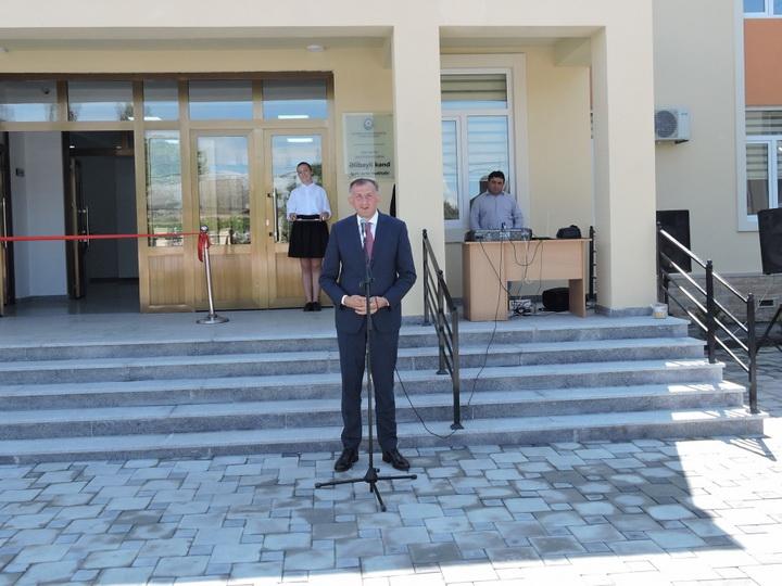 В Гахском районе, где проживают грузины, сдана в эксплуатацию новая школа - ФОТО