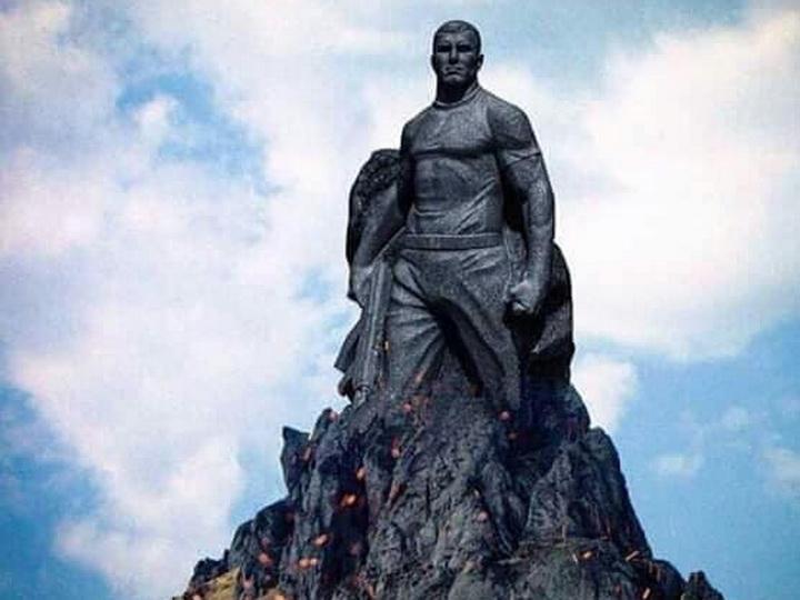 В Азербайджане предлагают воздвигнуть памятник Мубаризу Ибрагимову на одной из горных вершин - ФОТО