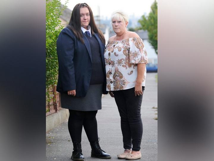 Ученицу выгнали из школы за то, что она не помещалась в форму - ФОТО - ВИДЕО