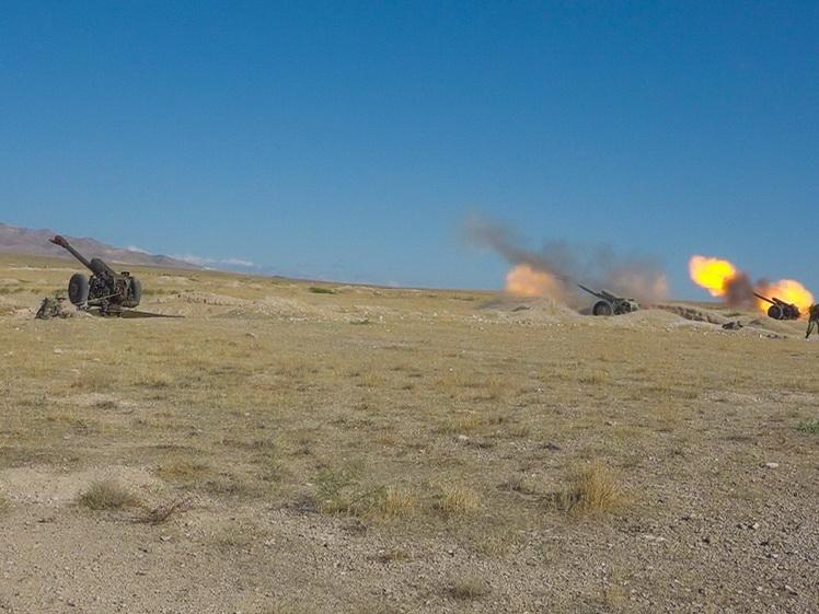 Вооруженные силы Азербайджана проводят командно-штабные учения с боевыми стрельбами - ВИДЕО