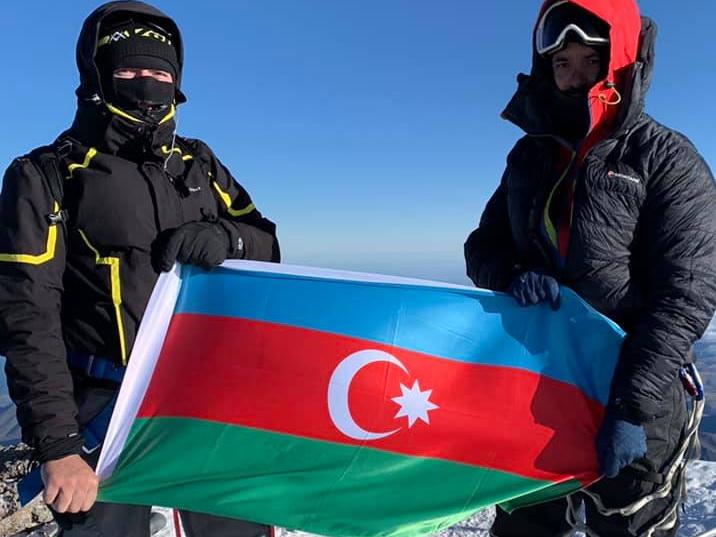 В 101-ю годовщину освобождения Баку от армянских дашнаков азербайджанский флаг развевался на «крыше» Европы – ВИДЕО - ФОТО