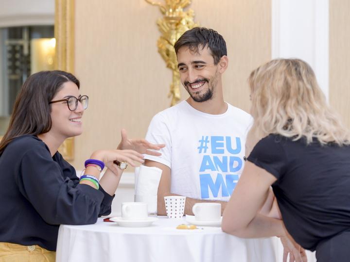 Летняя еврошкола как дорога в жизнь для талантливой молодежи Азербайджана – ФОТО