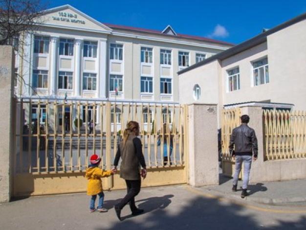 В школу, где училась Элина Гаджиева, назначен новый директор