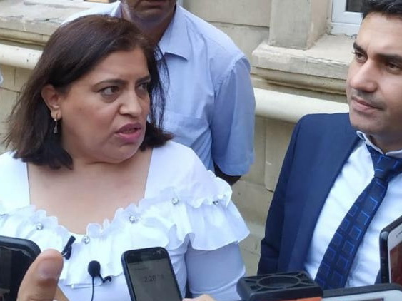 Адвокат Севиндж Аббасовой обвиняет полицейских в том, что они не вызвали «скорую» Элине Гаджиевой