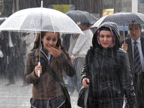 В Баку в субботу сильный ветер и дождь