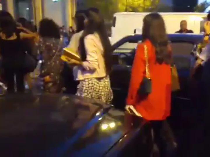 Наглому бакинскому таксисту, который наплевал на пешеходов, показали, что он неправ – ФОТОФАКТ