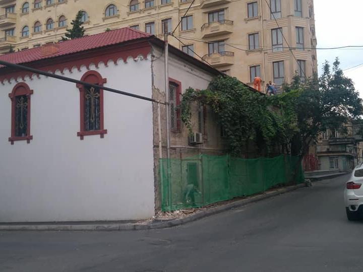 Ремонтируется старейшая православная церковь Баку – ФОТО