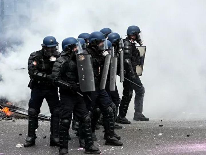 Число задержанных в ходе акции «желтых жилетов» в Париже возросло до 106 - ВИДЕО - ОБНОВЛЕНО