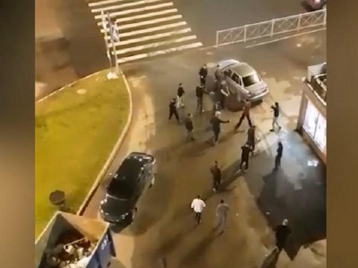 Жестокая драка выходцев из Армении и Дагестана в Петербурге - ВИДЕО