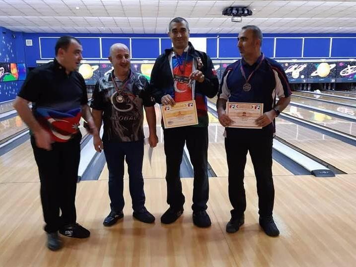 Определились победителя первого тура чемпионата Азербайджана по боулингу