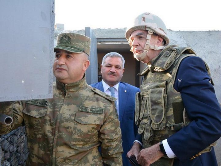 Известный американский ведущий расскажет слушателям о нагорно-карабахском конфликте из Азербайджана – ФОТО