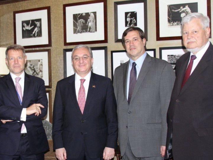 Глава МИД Армении встретился в Нью-Йорке с посредниками по карабахскому урегулированию