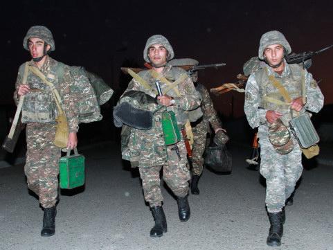 Сонные армянские солдаты пытаются напугать Азербайджан – ФОТО