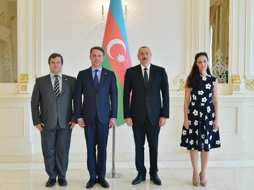 Президент Ильхам Алиев принял верительные грамоты новоназначенного посла Литвы в Азербайджане - ФОТО