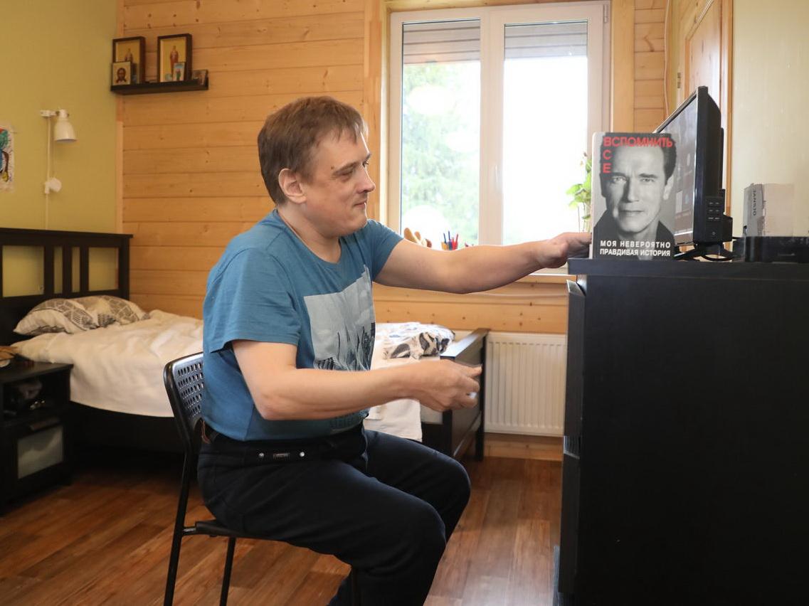 Азербайджанка помогла Сереге из деревни под Питером добиться встречи со Шварценеггером – ФОТО – ВИДЕО