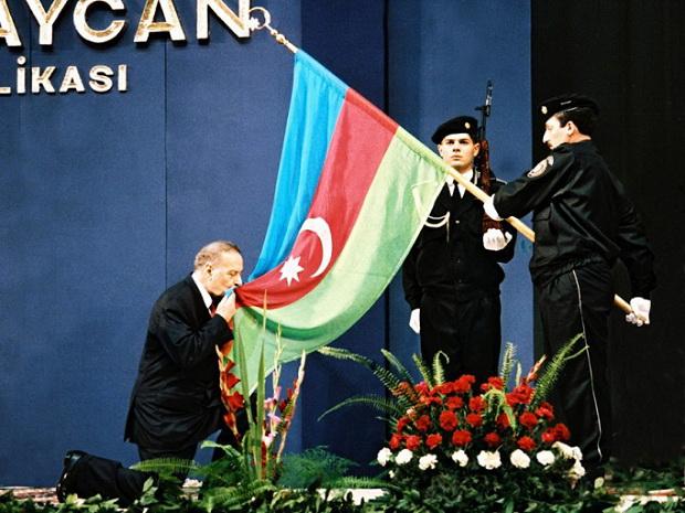 «Кровь наших шехидов не останется неотомщенной» - историческая речь Гейдара Алиева