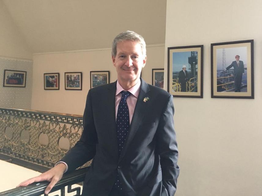 «Qanunu pozmuş qazlar»: Посол Великобритании ведет веселый блог на азербайджанском языке – ФОТО – ВИДЕО